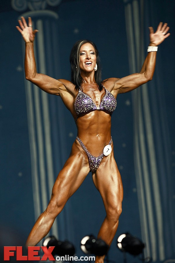 Cea Anna Kerr - Women's Physique - 2012 Europa Show of Champions