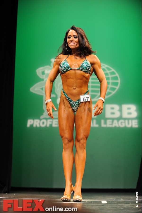 2012 NY Pro - Women's Figure - Tara Scotti
