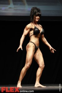 2012 Toronto Pro - Women's Physique - Laura Davies