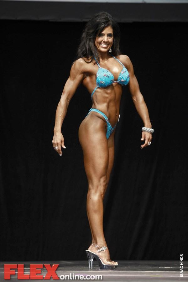 2012 Toronto Pro - Women's Figure - Natalie Calland