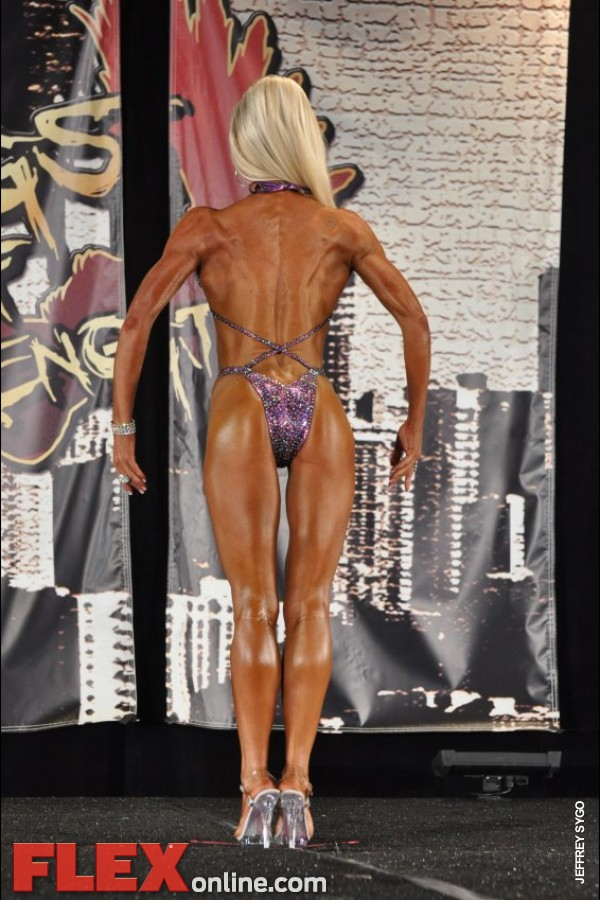 Becky Clawson - Womens Figure - 2012 Chicago Pro