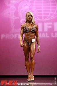 Larissa Reis - Womens Figure - New York Pro 2011