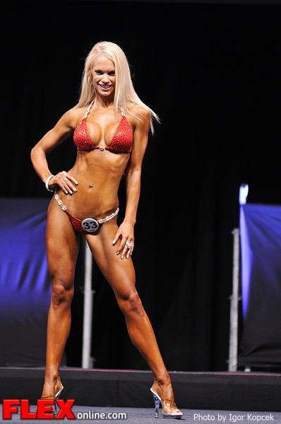 Michelle Brannan -  Bikini - IFBB Prague Pro