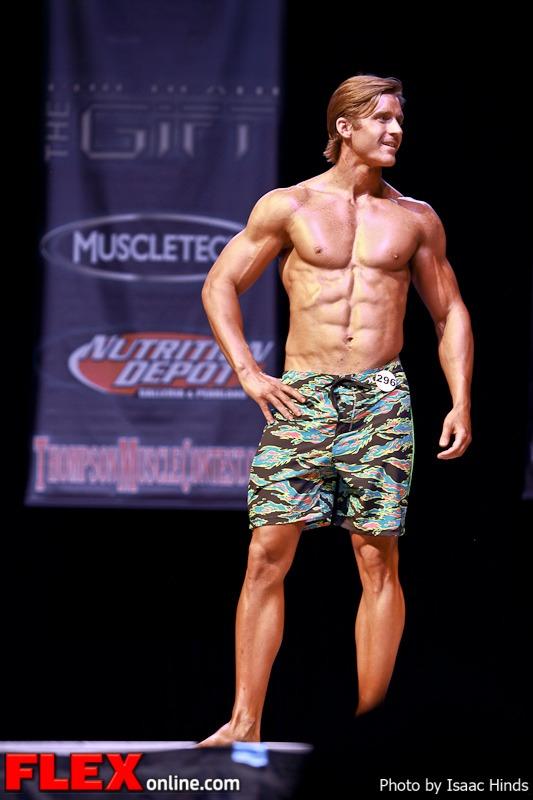 Zachary Morrow - Men's Physique Class D - Phil Heath Classic 2013