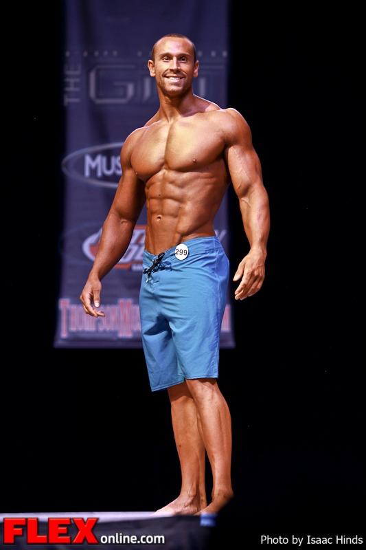 Bradley Martyn - Men's Physique Class D - Phil Heath Classic 2013