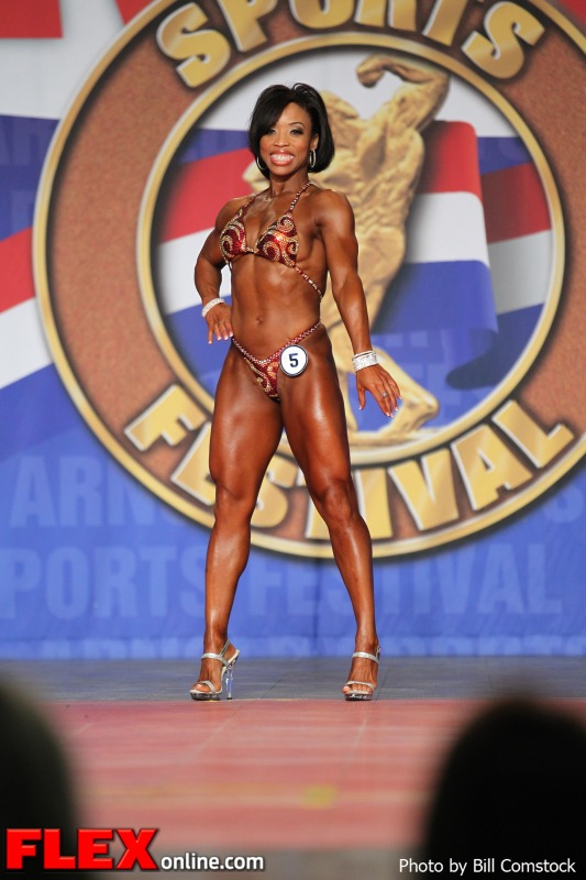 Nicole Duncan - 2013 Fitness International