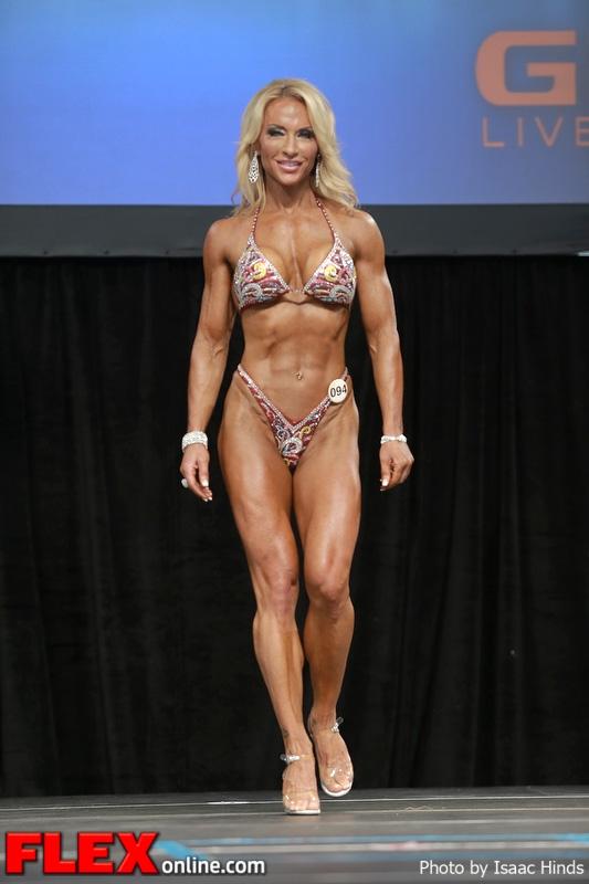 Ginette Delhaes - Figure - 2013 Toronto Pro