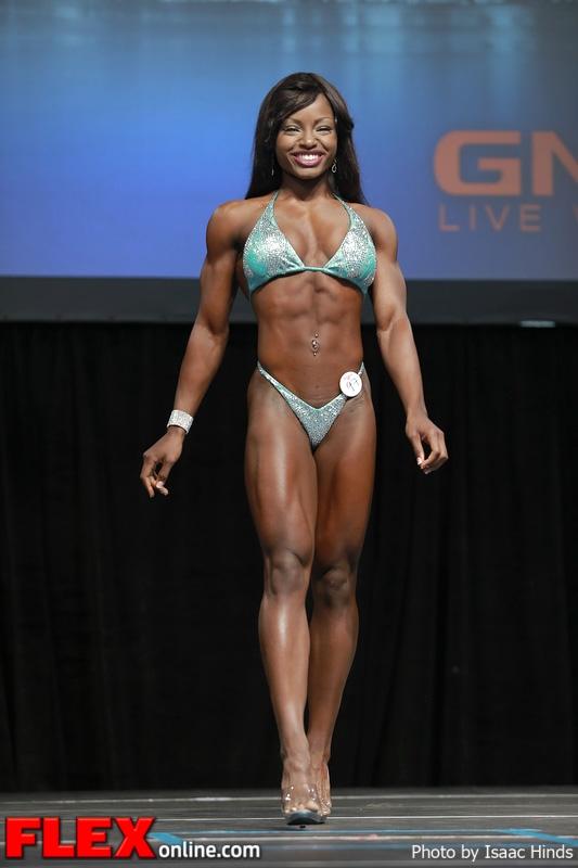 Cydney Gillon - Figure - 2013 Toronto Pro