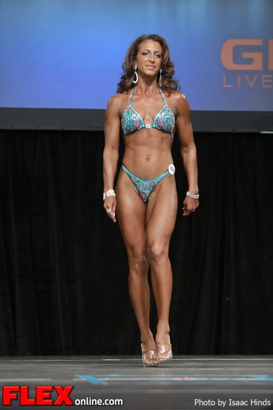 Tiani Norman - Figure - 2013 Toronto Pro