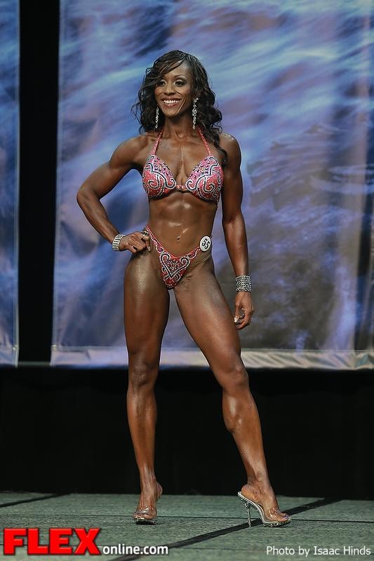 Linda Andrew - Figure - 2013 Chicago Pro