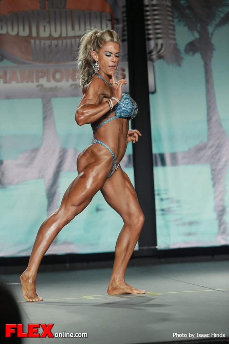 Ida Sefland - 2013 Tampa Pro - Physique