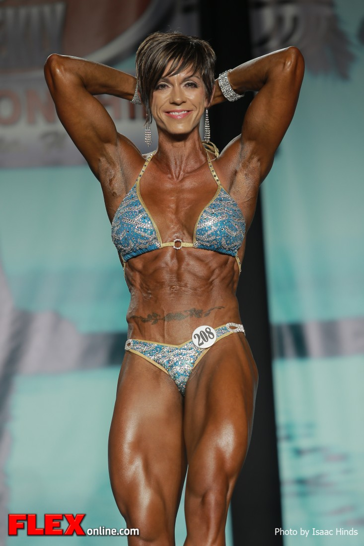 Stephanie Willes - 2013 Tampa Pro - Physique
