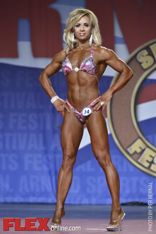 Giada Simari - Figure International - 2014 Arnold Classic