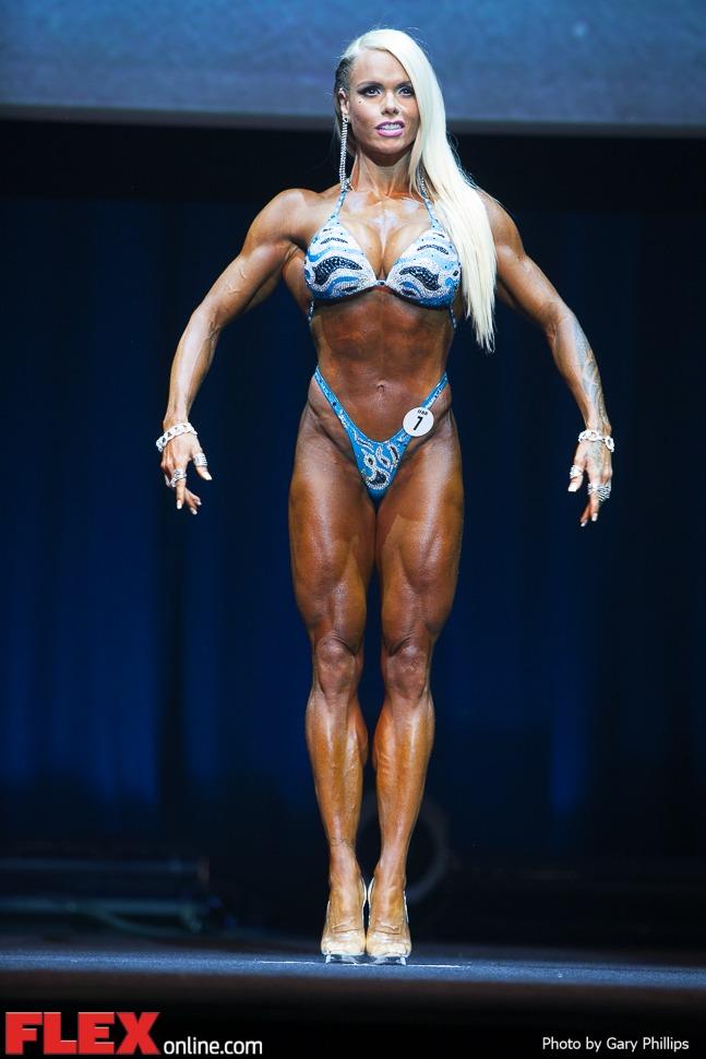 Larissa Reis - Pro Figure - 2014 Australian Pro