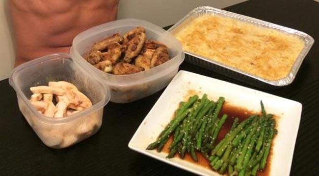Ryan Lochte's 10,000 Calorie Meal
