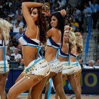 0409-nba-dancers-hornets
