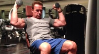 Arnold Schwarzenegger working out in India
