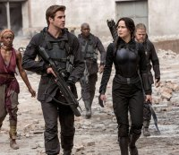 Liam Hemsworth on What It's Like to Make Out With Jennifer Lawrence