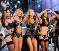 The Sexiest Photos from the 2014 Victoria's Secret Fashion Show