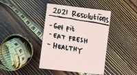 2021 fitness resolutions written on a post-it note