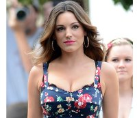 Kelly Brook is Ready for Her Close-Up