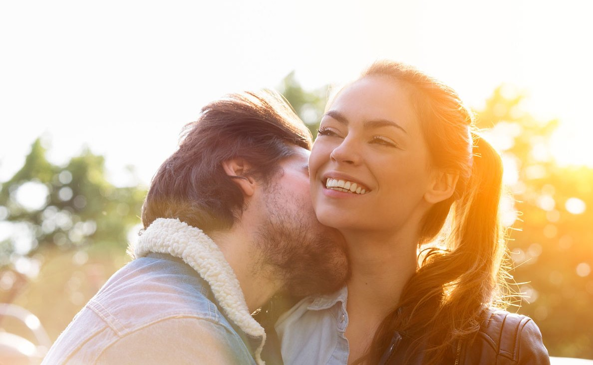 7 ways to get her to like you