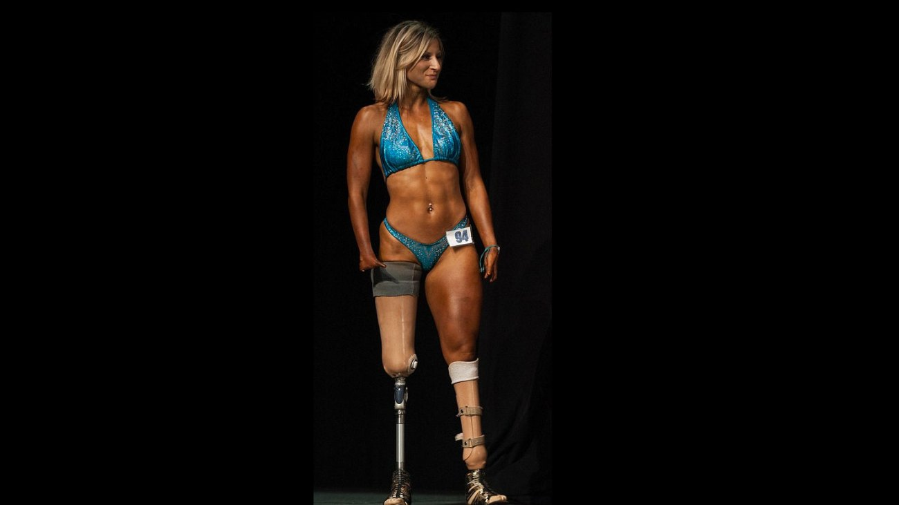 Woman With Four Fingers And No Legs Becomes A Bodybuilder