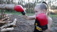 8-Year-Old Boxer Demonstrates Amazing Hand Speed