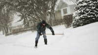 7 Winter Chores to Get Your Calorie Burn