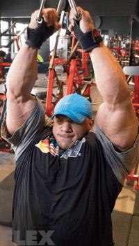 big-ramy-lat-pulldowns