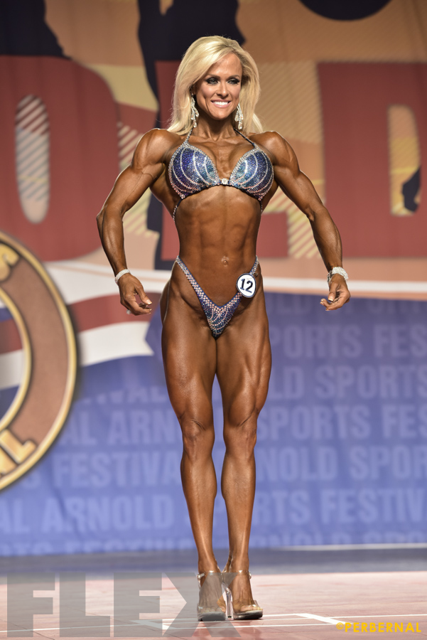 Gennifer Strobo - Figure International - 2016 Arnold Classic
