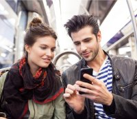 How to introduce yourself to a woman without coming off like a total stalker
