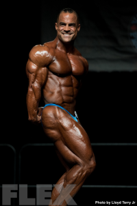2016 IFBB Vancouver Pro: 212 Bodybuilding - Mark Dugdale