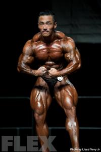 2016 IFBB Vancouver Pro: 212 Bodybuilding - Eun Cho