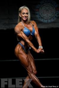 2016 IFBB Vancouver Pro: Women's Physique - Mindi O'Brien