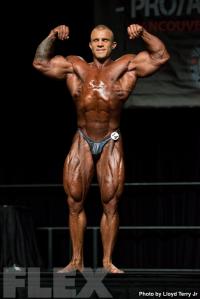 2016 IFBB Vancouver Pro: Open Bodybuilding - Iain Valliere