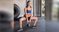 brie-bella-twin-squat