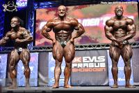 Final Posedown - Open Bodybuilding - 2016 IFBB EVLS Prague Pro