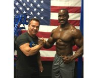 IFBB Pro Robert Timms signs with the team at Gaspari Nutrition