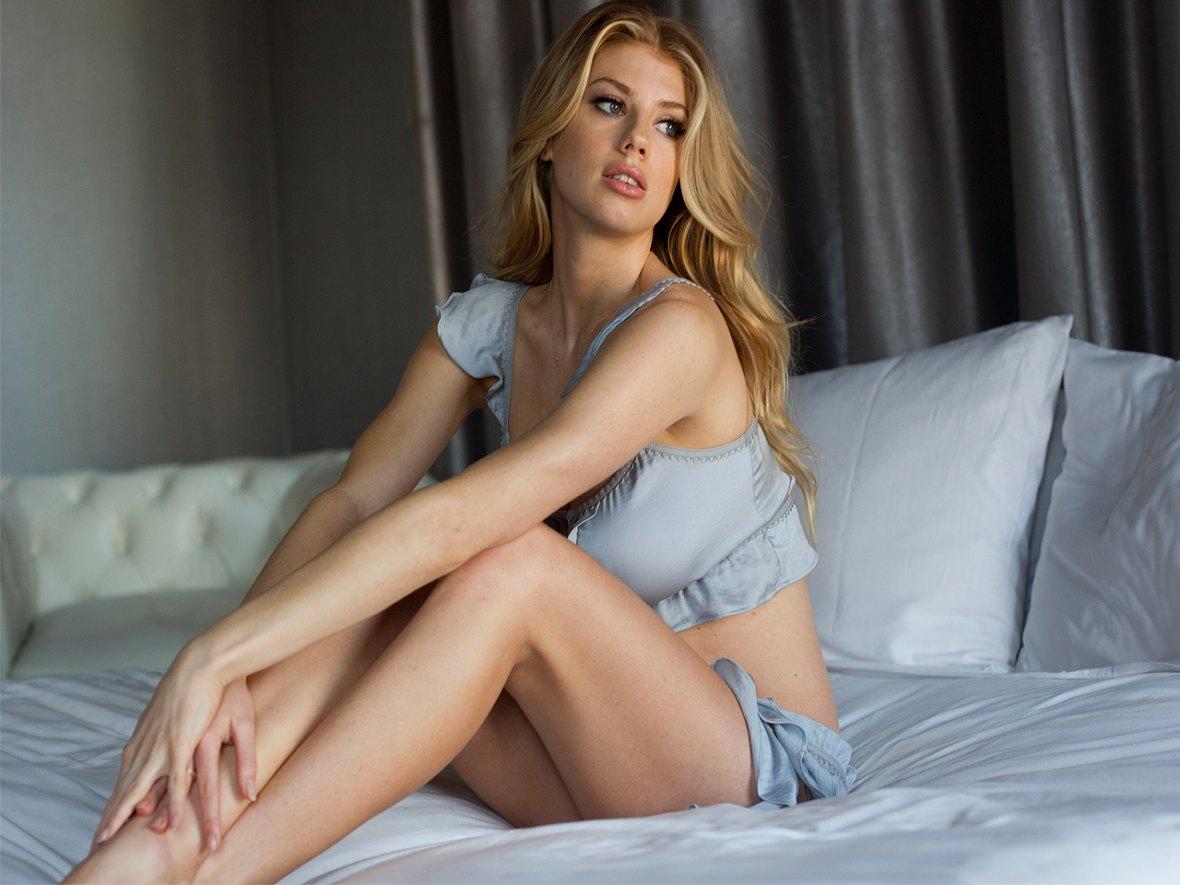 Sexy charlotte mckinney Charlotte Mckinney
