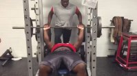 Watch: 15-year-old football recruit bench presses 225 pounds for 31 reps