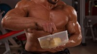 bodybuilder-eating-nutrition-food-meals