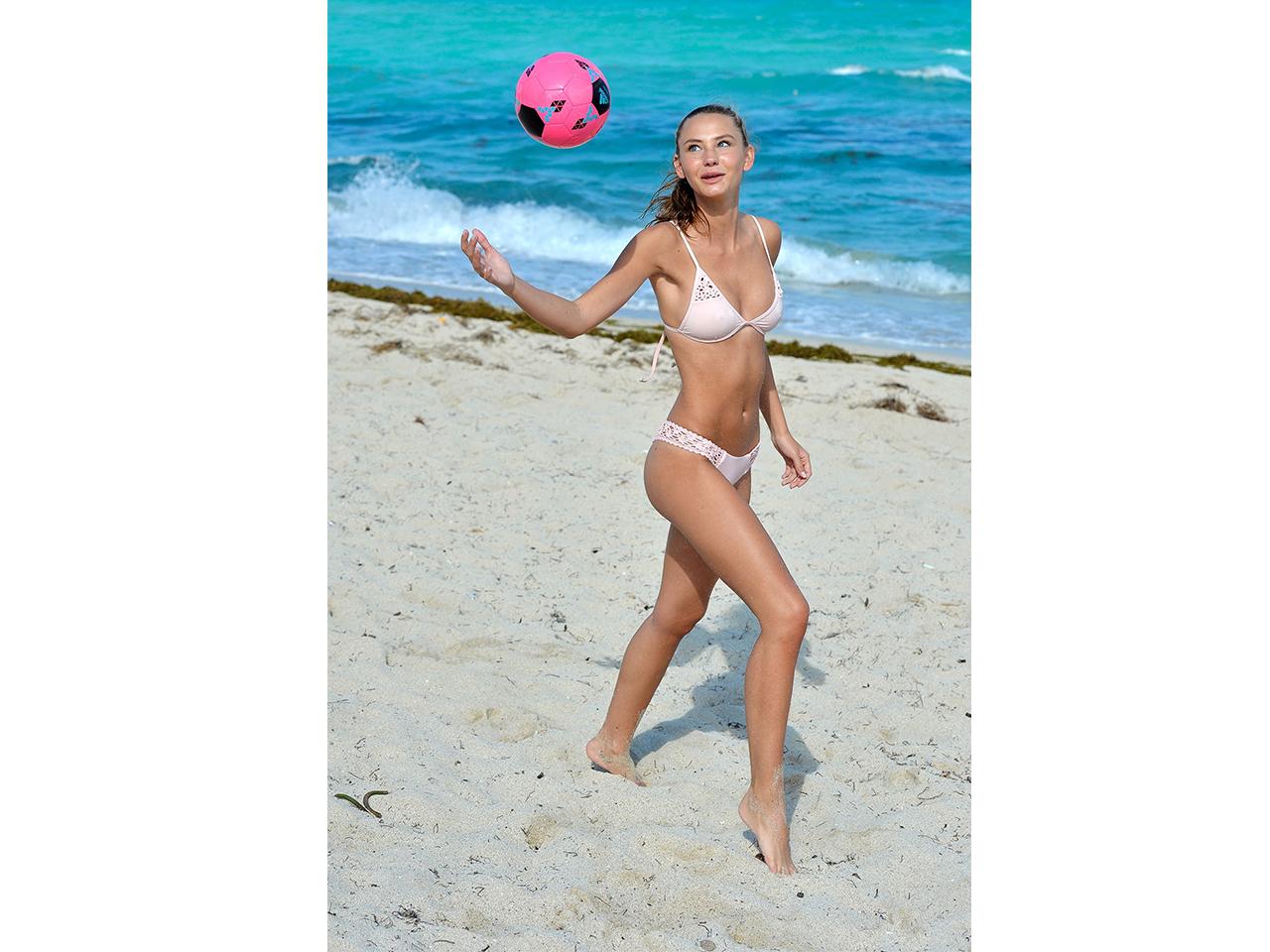 Burger bikini marisa Marisa Burger