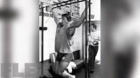 arnold-schwarzenegger-pull-ups