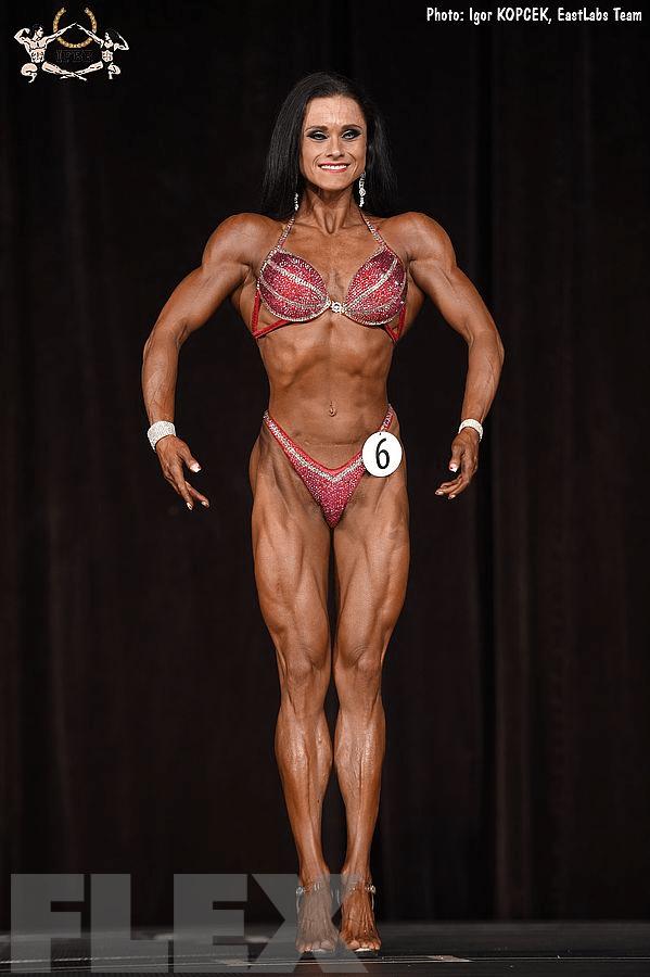 Melina Mercz - Figure - 2017 Ostrava Pro