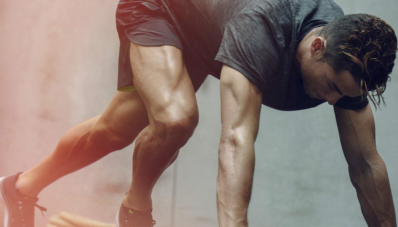 Cristiano Ronaldo doing Nike+ Training Club Abs Workout