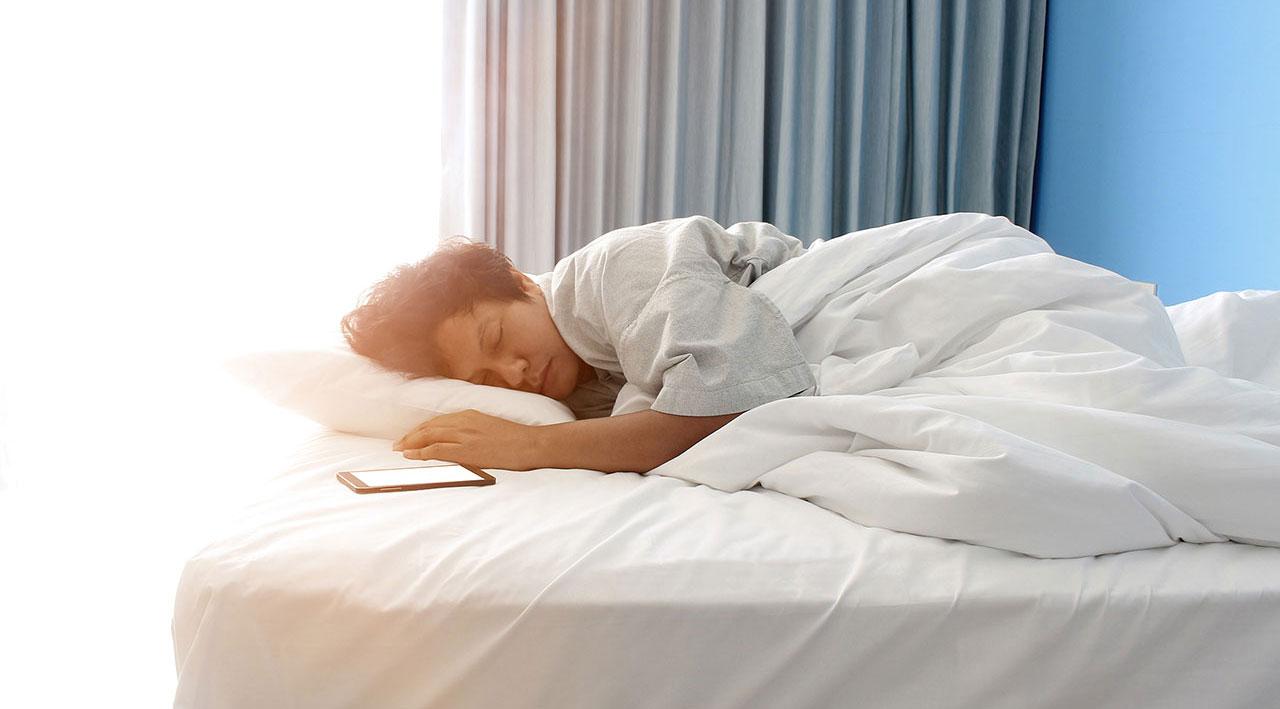 что картинки спящего человека в кровати ваш один тот