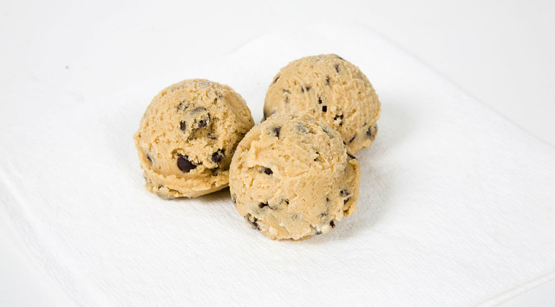 Muscle-building Dessert: Cookie Dough Protein Bites
