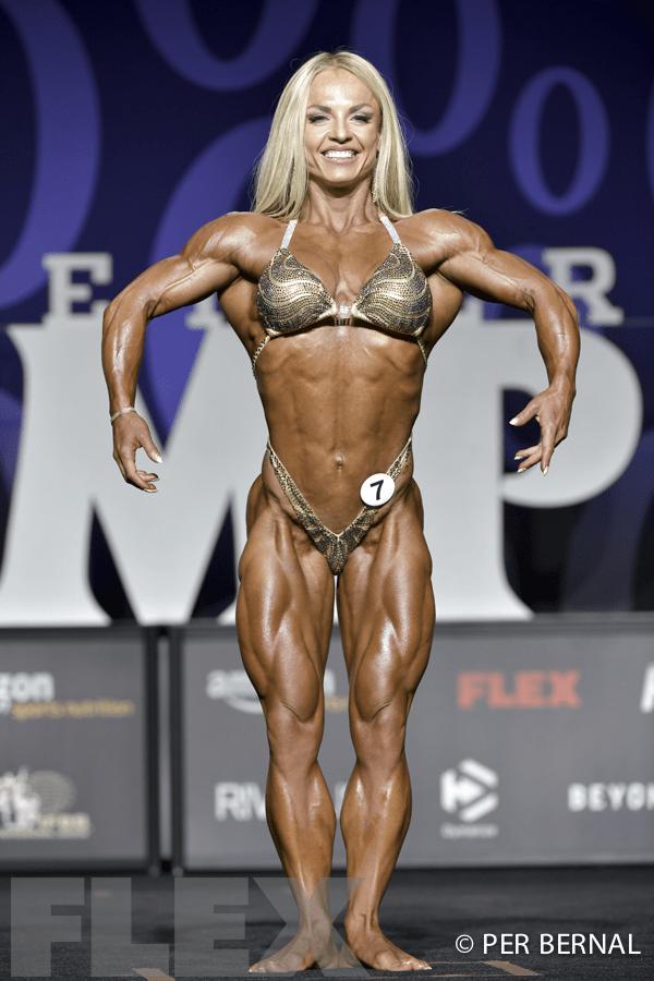 Eleonora Dobrinina - Women's Physique - 2017 Olympia