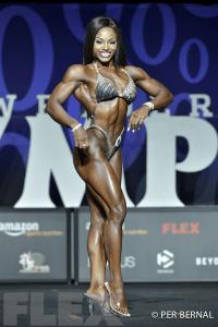 Cydney Gillon - Figure - 2017 Olympia